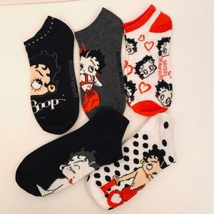 Betty Boop 5pk No Show Socks Ankle Red Black Dots